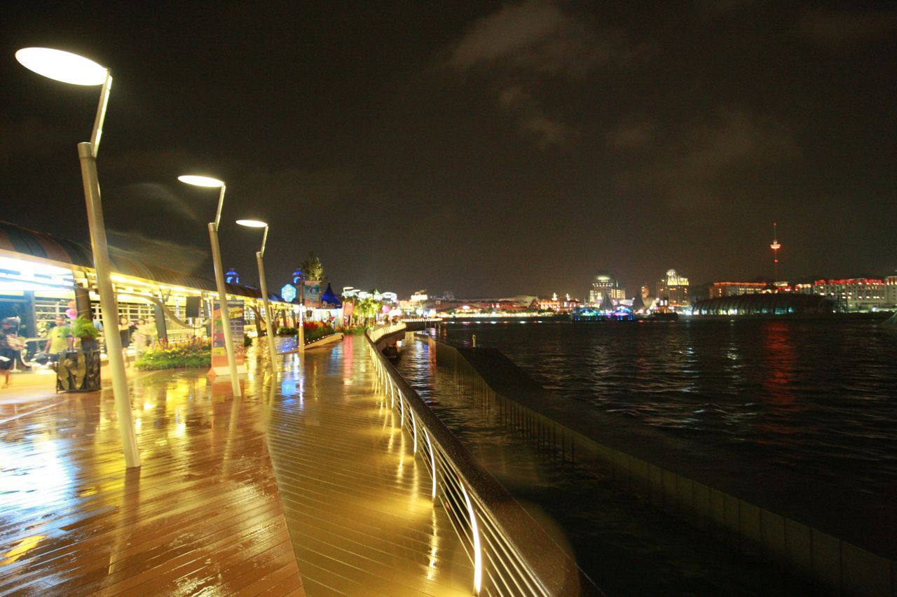 Sentosa Boardwalk is opened !