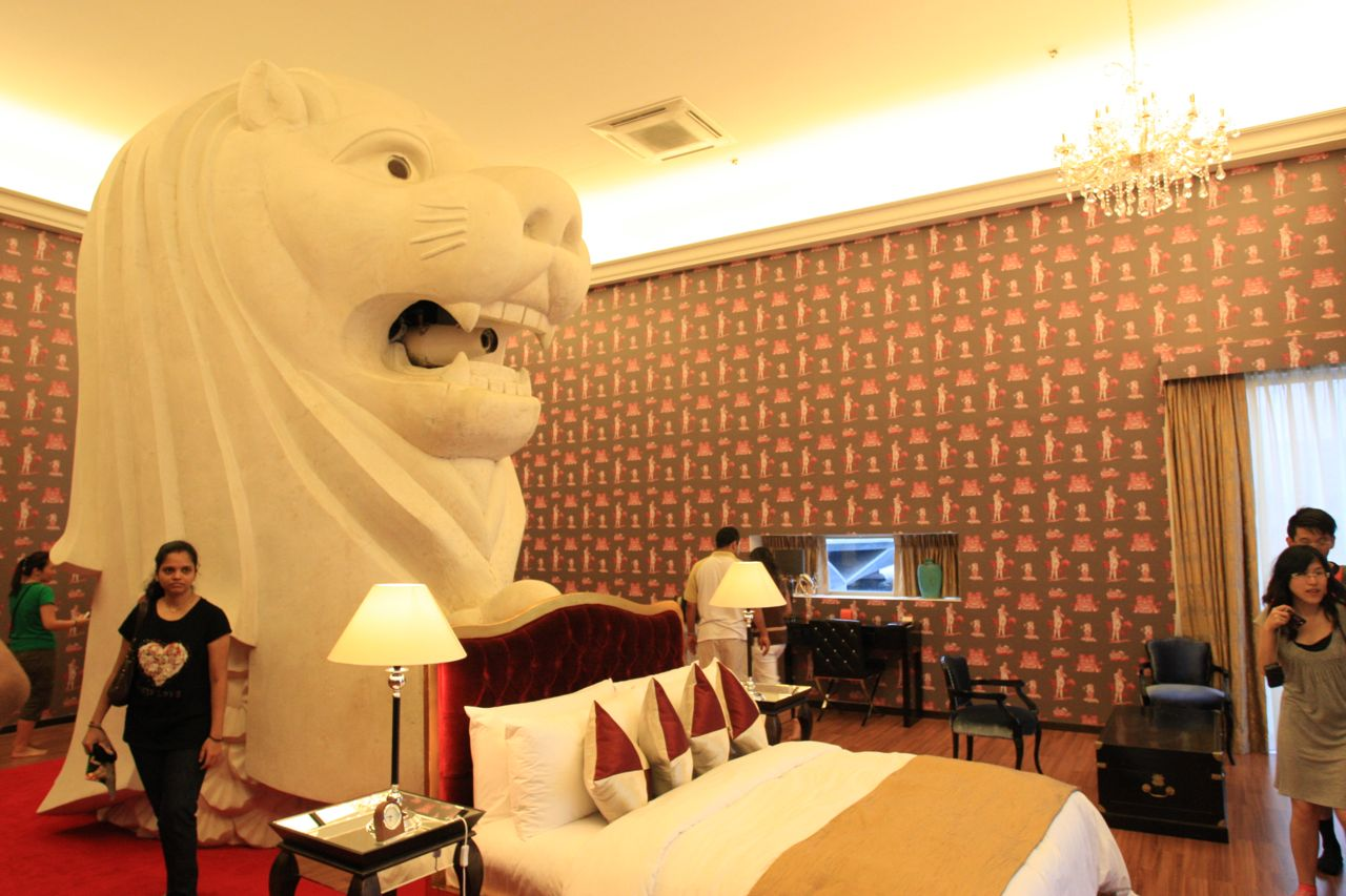 Singapore Biennale 2011 – The Merlion Hotel