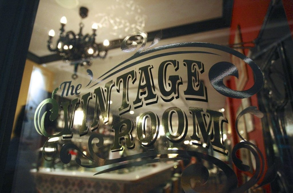 The Vintage Room – Charming, Elegant and Classic